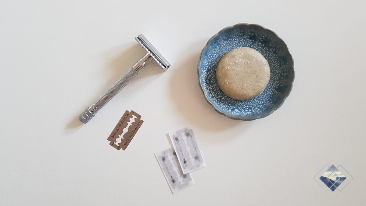 Rasierhobel mit Ersatzklingen und Seife
