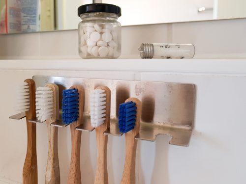 Bambuszahnbürsten, Zahnputztabletten und Zahnseide